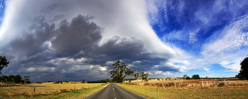 Summer Storm in Victorias South West