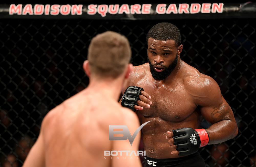 NEW YORK, NY - NOVEMBER 12:  Tyron Woodley of the United States (right) fights against Stephen Thompson of the United States in their welterweight championship bout during the UFC 205 event at Madison Square Garden on November 12, 2016 in New York City.  (Photo by Jeff Bottari/Zuffa LLC/Zuffa LLC via Getty Images)