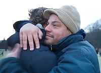 BLOEMENDAAL - 28-11-2010  Een geemotioneerde Bloemendaal coach Max Caldas , op de foto met keeperJaap Stokmann (l) nam zondag afscheid van Bloemendaal Hockeymannen . Caldas wordt bondscoach bij de dames van Oranje.  KOEN SUYK