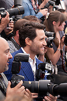 Actor Édgar Ramírez with photographers at the Hands Of Stone film photo call at the 69th Cannes Film Festival Monday 16th May 2016, Cannes, France. Photography: Doreen Kennedy