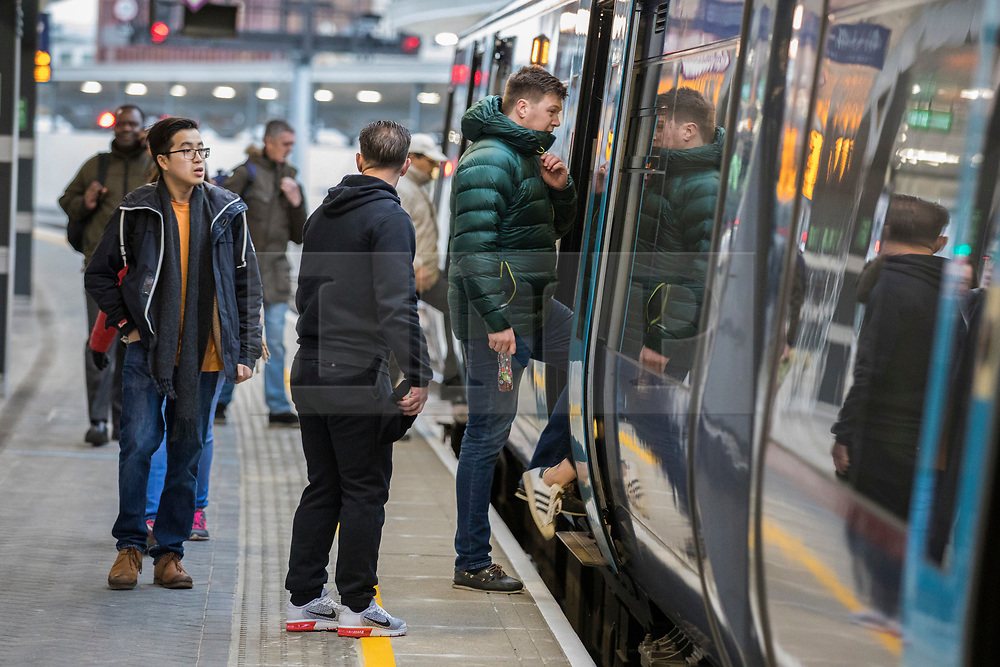 © Licensed to London News Pictures. 02/01/2018. London, UK. Passengers at London Bridge station. Rail fares have increased by an average of 3.4%, the biggest rise in five years. Photo credit: Rob Pinney/LNP
