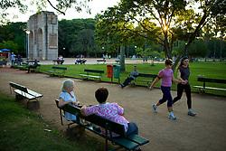 Porto Alegre, a capital do Rio Grande do Sul completou 240 anos em 2012 e tem recebido destaque mundial pelo desenvolvimento urbano e social, apresentando o melhor Índice de Desenvolvimento Humano (IDH) entre as metrópoles nacionais. FOTO: Jefferson Bernardes/Preview.com