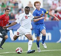 Fotball<br /> VM U20 - Canada<br /> 05.07.2007<br /> Foto: imago/Digitalsport<br /> NORWAY ONLY<br /> <br /> Gambia v New Zealand<br /> Ousman Jallow (U20 Gambia, li.) gegen Dan Keat (U20 Neuseeland)