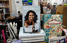 Michelle Obama's new book, Becoming, hits bookstores - 13 Nov 2018