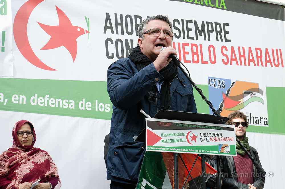 Madrid, Spain. 12th November, 2016. Jose Taboada, President of CEAS-Sahara, giving a speech at the end of the demonstration for a free Sahara.