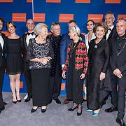 NLD/Amsterdam/20191114 - Prinses Beatrix en Prinses Margriet bij jubileum Dansersfonds, Prinses Beatrix, Prinses Margriet, Igone de Jongh winnaar Prijs van VerdiensteDe Heer Fred Berlips<br /> De Heer Roel Voorintholt,
