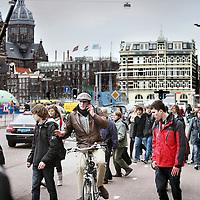Nederland, amsterdam , 10 maart 2011..Verkeerschaos ter hoogte van het Victoria hotel op de Prins Hendrikade...Foto:Jean-Pierre Jans