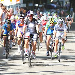 Brainwash Ladiestour Neerijnen Ina Yoko Teutenberg wint de eerste etappe voor Mariannen Vos en wereldkampioen Giorgia Bronizini