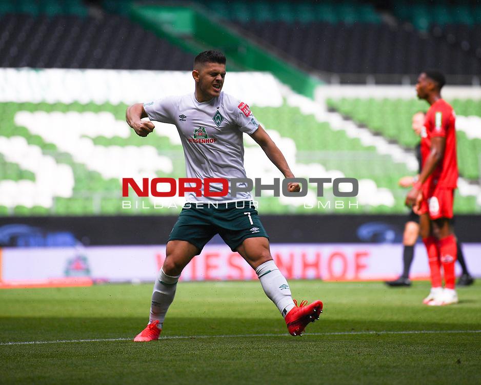 Torjubel nach dem 2-0: Torschuetze Milot Rashica (Werder Bremen).<br /><br />Sport: Fussball: 1. Bundesliga:: nphgm001:  Saison 19/20: 34. Spieltag: SV Werder Bremen - 1. FC Koeln, 27.06.2020<br /><br />Foto: Marvin Ibo GŸngšr/GES/Pool/via gumzmedia/nordphoto