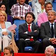 NLD/Amsterdam/20100731 - Wedstrijd om de JC schaal 2010 tussen Ajax - FC Twente, voorzitter Joop Munsterman en partner, Eberhard van der Laan