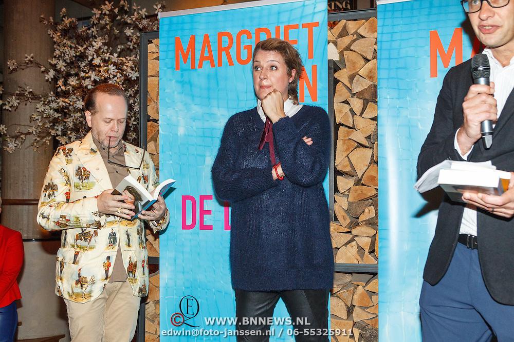 NLD/Amsterdam/20151027 - Boekpresentatie Margriet van der Linden - De Liefde Niet, Margriet en Marc-Marie Huijbregts