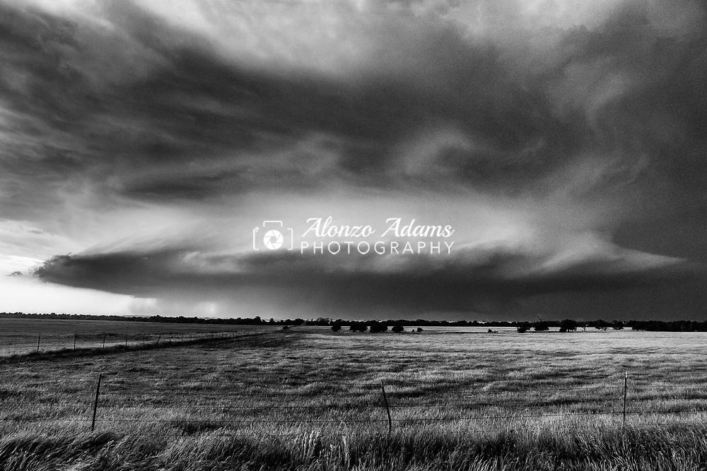 Supercell thunderstorm near El Reno, Okla. on May 31, 2013. Photo copyright © 2013 Alonzo J. Adams
