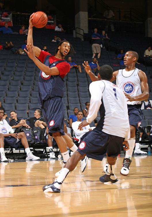 Desmond Simmons handles the ball during the 2009 NBPA Top 100 Basketball Camp held Friday June 17- 20, 2009 in Charlottesville, VA. Photo/ Andrew Shurtleff.