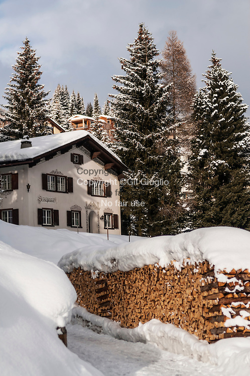 Suisse, canton des Grisons, ville de Davos vue depuis la Promenade Hohe  // Switzerland, canton of Grisons, city of Davos seen from Hohe Promenade