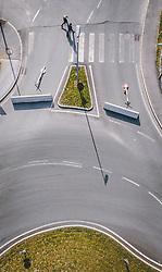 THEMENBILD - gesperrte Ausfahrten bei einem Kreisverkehr, nachdem über Zell am See unter Quarantäne genommen wurde, aufgenommen am 13. April 2020 in Schüttdorf, Österreich // blocked exits at a roundabout during the quarantine of Zell am See, Schuettdorf, Austria on 2020/04/13. EXPA Pictures © 2020, PhotoCredit: EXPA/ JFK