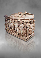 """Roman relief sculpted Hercules sarcophagus with kline couch lid, """"Columned Sarcophagi of Asia Minor"""" style typical of Sidamara, 250-260 AD, Konya Archaeological Museum, Turkey. .<br /> <br /> If you prefer to buy from our ALAMY STOCK LIBRARY page at https://www.alamy.com/portfolio/paul-williams-funkystock/greco-roman-sculptures.html . Type -    Konya     - into LOWER SEARCH WITHIN GALLERY box - Refine search by adding a subject, place, background colour, museum etc.<br /> <br /> Visit our ROMAN WORLD PHOTO COLLECTIONS for more photos to download or buy as wall art prints https://funkystock.photoshelter.com/gallery-collection/The-Romans-Art-Artefacts-Antiquities-Historic-Sites-Pictures-Images/C0000r2uLJJo9_s0"""