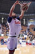 DESCRIZIONE : Bologna LNP A2 2015-16 Eternedile Bologna De Longhi Treviso<br /> GIOCATORE : Francesco Quaglia<br /> CATEGORIA : Riscaldamento PreGame Schiacciata<br /> SQUADRA : Eternedile Bologna<br /> EVENTO : Campionato LNP A2 2015-2016<br /> GARA : Eternedile Bologna De Longhi Treviso<br /> DATA : 15/11/2015<br /> SPORT : Pallacanestro <br /> AUTORE : Agenzia Ciamillo-Castoria/A.Giberti<br /> Galleria : LNP A2 2015-2016<br /> Fotonotizia : Bologna LNP A2 2015-16 Eternedile Bologna De Longhi Treviso