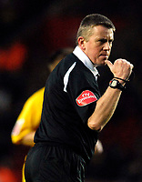 Photo: Alan Crowhurst.<br />Southampton v Burnley. Coca Cola Championship. 13/01/2007. Referee Tony Bates.