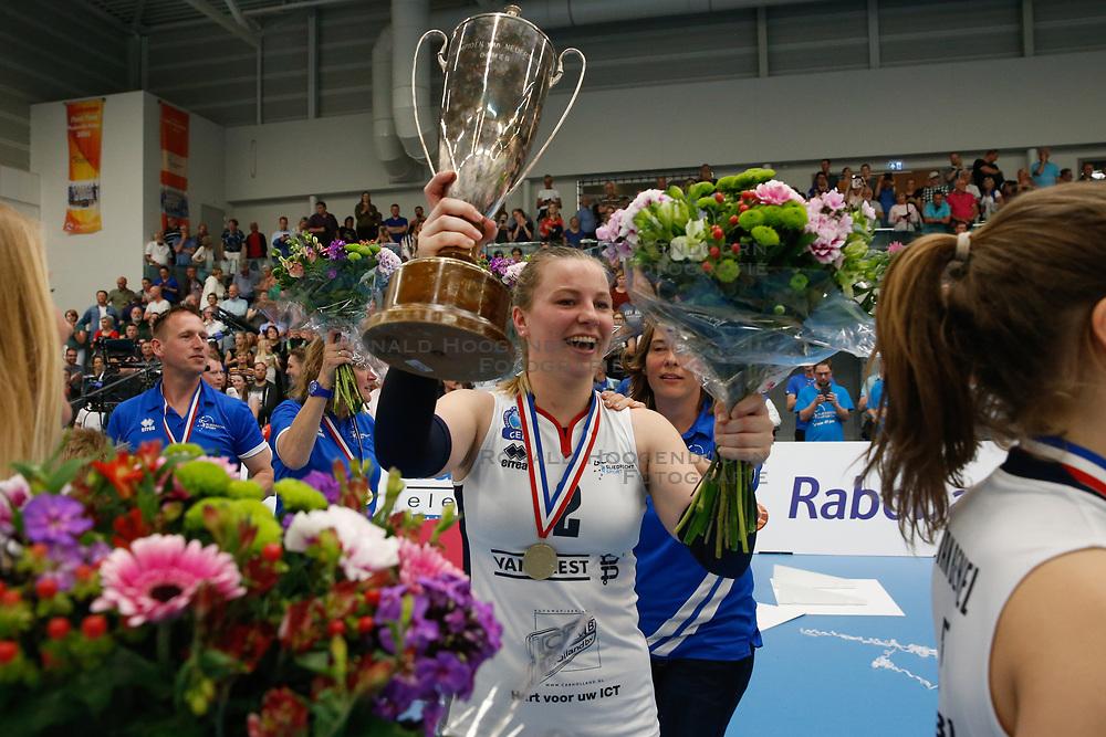 20190424 NED: Sliedrecht Sport - VC Sneek: Sliedrecht<br /> Sliedrecht Sport Nederlands Kampioen Volleybal Seizoen 2018 - 2019, Brechtje Kraaijvanger (2) of Sliedrecht Sport <br /> ©2019-FotoHoogendoorn.nl / Pim Waslander