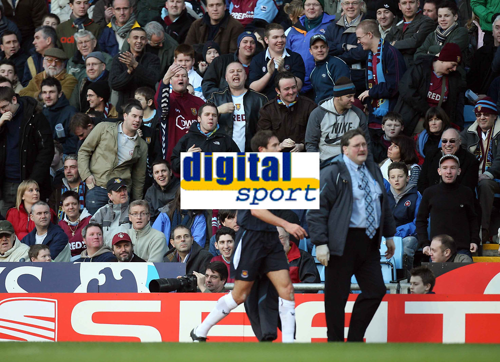 Photo: Rich Eaton.<br /> <br /> Aston Villa v West Ham. The Barclays Premiership. 03/02/2007. MAtthew Upson leaves the pitch after 30 mins of his debut for West Ham to the amusement of the Villa fans