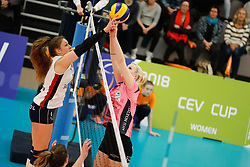 20180110 NED: CEV CUP Sliedrecht Sport - Beziers Angels VB: Sliedrecht<br />Fleur Savelkoel (6) of Sliedrecht Sport, Eva Mori (1) of Beziers VB<br />©2018-FotoHoogendoorn.nl / Pim Waslander