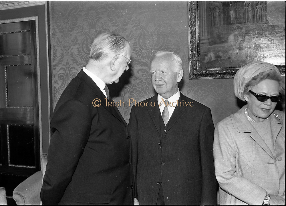 16/09/1968<br /> 09/16/1968<br /> 16 September 1968<br /> Arrival of Dr Heinrich Lübke, President of Federal Germany (West Germany), and his wife at Aras an Uachtarain, Phoenix Park, Dublin. Picture shows (l-r) President Eamon De Valera; President Heinrich Lübke and Mrs Wilhelmine Lübke.