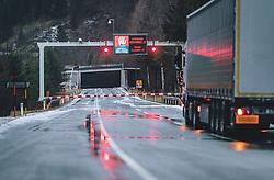 THEMENBILD - ein LKW steht vor der gesperrten Felbertauernstraße. Auf Grund der starken Schneefälle, ist die Strasse am Felbertauern aus Sicherheitsgründen und wegen Lawinengefahr gesperrt. Der Felbertauern ist eine wichtige Verbindungsstrasse zwischen Osttirol und Salzburg (Pinzgau), aufgenommen am 07. Dezember 2020 in Mittersill, Oesterreich // a truck is parked in front of the closed Felbertauernstraße. Due to heavy snowfall, the road at Felbertauern is closed for safety reasons and because of the danger of avalanches. The Felbertauern is an important connecting road between East Tyrol and Salzburg (Pinzgau), in Mittersill, Austria on 2020/12/07. EXPA Pictures © 2020, PhotoCredit: EXPA/Stefanie Oberhauser