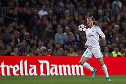 May 6, 2018 - Barcelona, Catalonia, Spain - May 6, 2018 - Camp Nou, Barcelona, Spain - LaLiga Santander- FC Barcelona v Real Madrid CF; Gareth Bale from Gales of Real Madrid controls the ball. (Credit Image: © Marc Dominguez via ZUMA Wire)