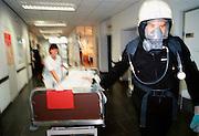 Nederland, Nijmegen, 14-09-2000Ontruimings oefening brandalarm academisch ziekenhuis Nijmegen. Brandveiligheid. preventieFoto: Flip Franssen/Hollandse Hoogte