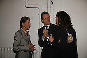 Mercedes Stoutzker, Sir Nicholas Serota and Judith Greer, EXHIBITION OF WORK BY THOMAS DEMAND ( SUPPORTED BY WALLPAPER) AT THE SERPENTINE GALLERY AND AFTERWARDS AT THE Rochelle Canteen, Rochelle School<br />Arnold Circus. London E2. 5 JUNE 2006. ONE TIME USE ONLY - DO NOT ARCHIVE  © Copyright Photograph by Dafydd Jones 66 Stockwell Park Rd. London SW9 0DA Tel 020 7733 0108 www.dafjones.com
