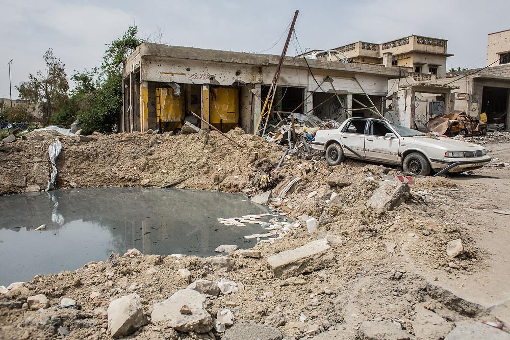 A destroyed street is seen in West Mosul, Iraq.<br /> <br /> 空爆と戦闘で破壊されたモスル西部の街並み。2017年5月撮影。