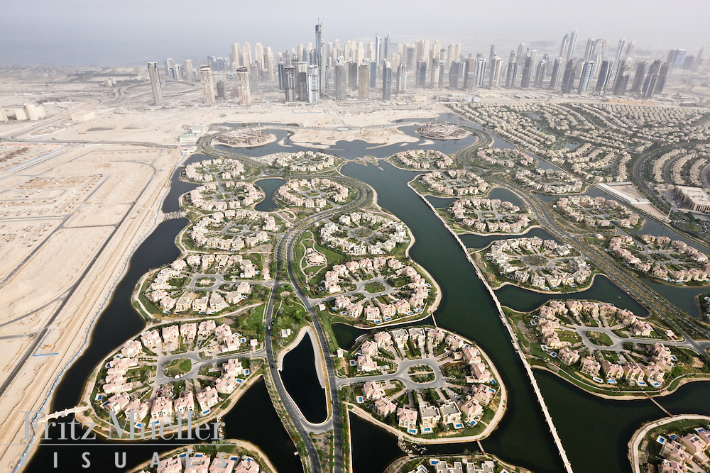 Jumeirah Islands is a five star housing estate in Dubai, United Arab Emirates, developed by Nakheel Properties, one of Dubai's largest developers.