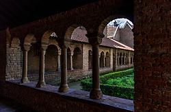 22-04-2018 NED: Provincie Utrecht in beeld, Utrecht<br /> De binnentuin of pandhof van de voormalige Sint Marie Kapittelkerk in Utrecht