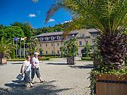"""Deptak i sanatorium """"Zameczek"""", Kudowa-Zdrój, Polska<br /> The promenade and the sanatorium """"Zameczek"""", Kudowa-Zdrój, Poland"""