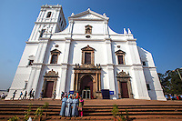 Se Catedral de Santa Catarina usually just called Se Cathedral, is the cathedral of Catholic Archdiocese of Goa in Old Goa, India.  It is one of the most celebrated churches in Goa and was built to commemorate the victory of the Portuguese under Afonso de Albuquerque which led to the capture of the city of Goa in 1510. Since the day of the victory occurred on the feast of Saint Catherine, the cathedral was dedicated with her name.  Se Cathedral originally had two towers, but after the collapse of the right tower it was never rebuilt.