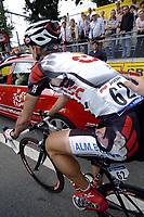 Sykkel<br /> Tour de France 2004<br /> 2. etappe<br /> 05.07.2004<br /> Foto: PhotoNews/Digitalsport<br /> NORWAY ONLY<br /> <br /> CHARLEROI - NAMUR<br /> <br /> Kurt-Asle Arvesen fikk seg en skikkelig smell da han gikk i bakken rett før mål