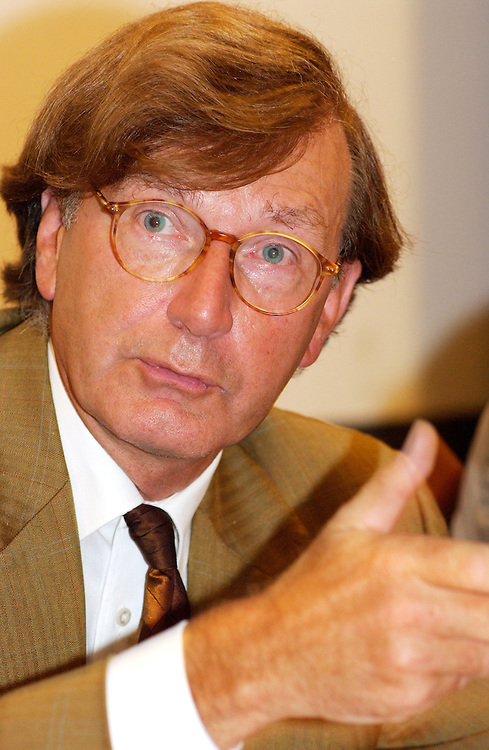 De Bilthoven, 3 sept 2003<br />Congres bij RIVM<br />hr n.d. van egmond, rivm<br /><br />Foto (c) Michiel Wijnbergh, Driebergen