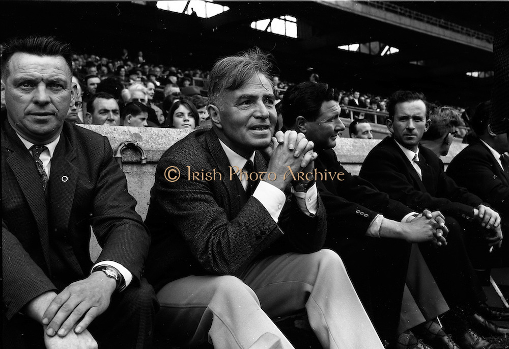 "05/09/1965<br /> 09/05/1965<br /> 5 September 1965<br /> All-Ireland Senior Final: Tipperary v Wexford at Croke Park, Dublin.<br /> Film star, James Mason attended the game before he opened the cork film festival later that week. He was also staring in a film that was being made in Dublin: ""The Blue Max."""