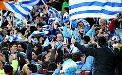 02.07.2010, Soccer City Stadium, Johannesburg, RSA, FIFA WM 2010, Viertelfinale, Uruguay (URU) vs Ghana (GHA) im Bild Uruguay jubeln, EXPA Pictures © 2010, PhotoCredit: EXPA/ InsideFoto/ Perottino, ATTENTION! FOR AUSTRIA AND SLOVENIA ONLY!