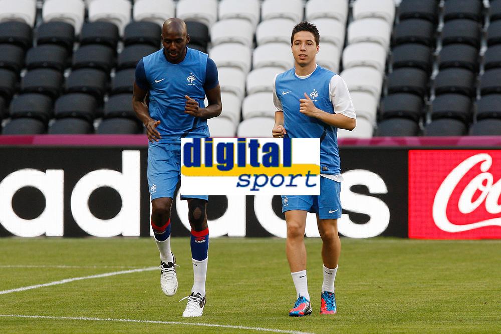 FOOTBALL - UEFA EURO 2012 - DONETSK - UKRAINE - GROUP STAGE - GROUP D - FRANCE TRAINING AND PRESS CONFERENCE - 10/06/2012 - PHOTO PHILIPPE LAURENSON / DPPI - ALOU DIARRA, SAMIR NASRI
