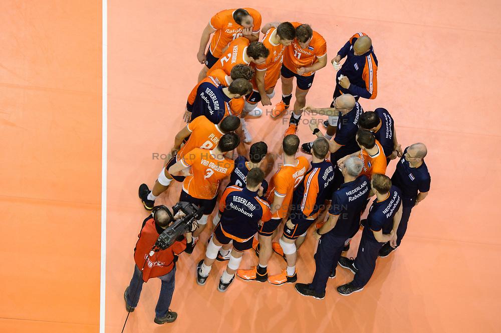 06-01-2020 NED: CEV Tokyo Volleyball European Qualification Men, Berlin<br /> Match Serbia vs. Netherlands 3-0 / Team Netherlands