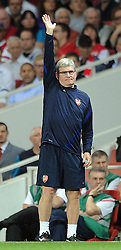 28.09.2011, Emirates Stadium, London, ENG, UEFA CL, Gruppe F, FC Arsenal (ENG) vs Olympiakos Piräus (GRE), im Bild Arsenal's assistant manager Pat Rice appeals on the touchline // during the UEFA Champions League game, group F, ENG, UEFA CL, FC Arsenal (ENG) vs Olympiakos Piräus (GRE) at Emirates Stadium in London, United Kingdom on 2011/09/28. EXPA Pictures © 2011, PhotoCredit: EXPA/ Propaganda Photo/ Chris Brunskill +++++ ATTENTION - OUT OF ENGLAND/GBR+++++