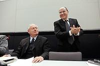 24 JAN 2006, BERLIN/GERMANY:<br /> Oskar Lafontaine (L), Die Linke Fraktionsvorsitzender, und Gregor Gysi (R), PDS/Die Linke Fraktionsvorsitzender, vor Beginn der Fraktionssitzung der Linkspartei, Deutscher Bundestag <br /> IMAGE: 20060124-01-028