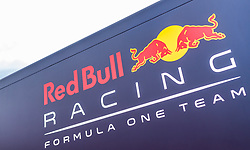 09.07.2017, Red Bull Ring, Spielberg, AUT, FIA, Formel 1, Grosser Preis von Österreich, Rennen, im Bild Red Bull Racing Logo am Motorhome // Red Bull Racing logo at Motorhome during the Race of the Austrian FIA Formula One Grand Prix at the Red Bull Ring in Spielberg, Austria on 2017/07/09. EXPA Pictures © 2017, PhotoCredit: EXPA/ JFK