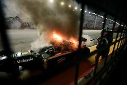 FORMEL 1: GP von Singapur, Singapur, 26.09.2010<br />Unfall: Heikki KOVALAINEN (FIN, Lotus)<br />� pixathlon *** Local Caption *** +++ www.hoch-zwei.net +++ copyright: HOCH ZWEI +++