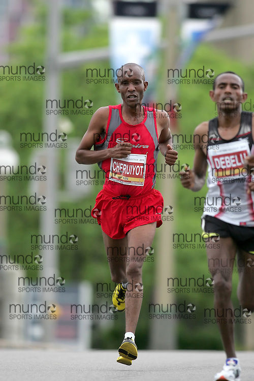 (Ottawa, ON --- May 30, 2010) David Emmanuel Cheruiyot running in the marathon during the Ottawa Race Weekend. Photograph copyright Sean Burges / Mundo Sport Images