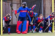 BILTHOVEN -  Hoofdklasse competitiewedstrijd dames, SCHC v hdm, seizoen 2020-2021.<br /> Foto: Keeper Alexandra Heerbaart (SCHC) neemt leiding over haar doel bij een strafcorner
