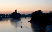 Kew Bridge, Great Britain, General Views from Kew [Road] Bridge. Sunrise, Early morning training, rowers and scullers, out on the River Thames.[Mandatory Credit. Peter Spurrier/Intersport Images] , Sunrise, Sunsets, Silhouettes © Peter SPURRIER, Atmospheric, Rowing
