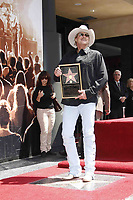 4/16/2010 Alan Jackson at his Hollywood Walk of Fame ceremony