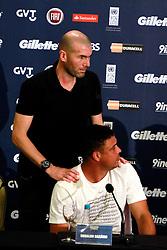 Zinedine Zidane e Ronaldo Nazário durante a conferência de imprensa no Sheraton Porto Alegre Hotel sobre a 10ª edição do Jogo Contra a Pobreza - Match Against Poverty. FOTO: IItamar Aguiar/Preview.com